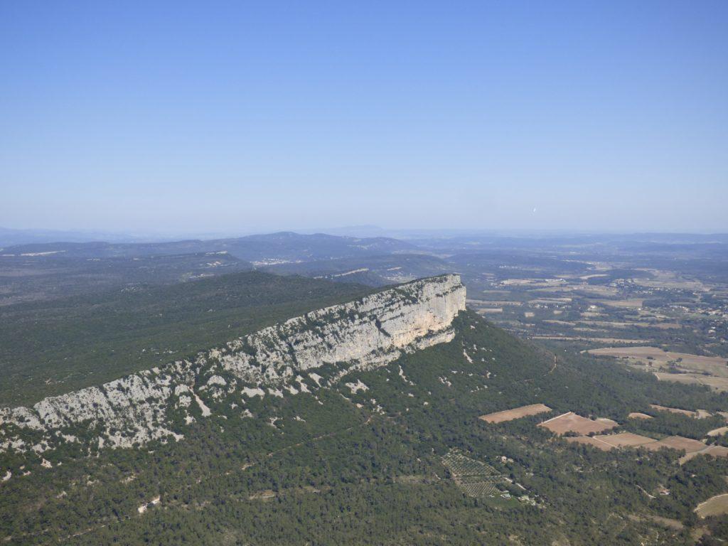Vue sur l'Hortus depuis le Pic Saint-Loup