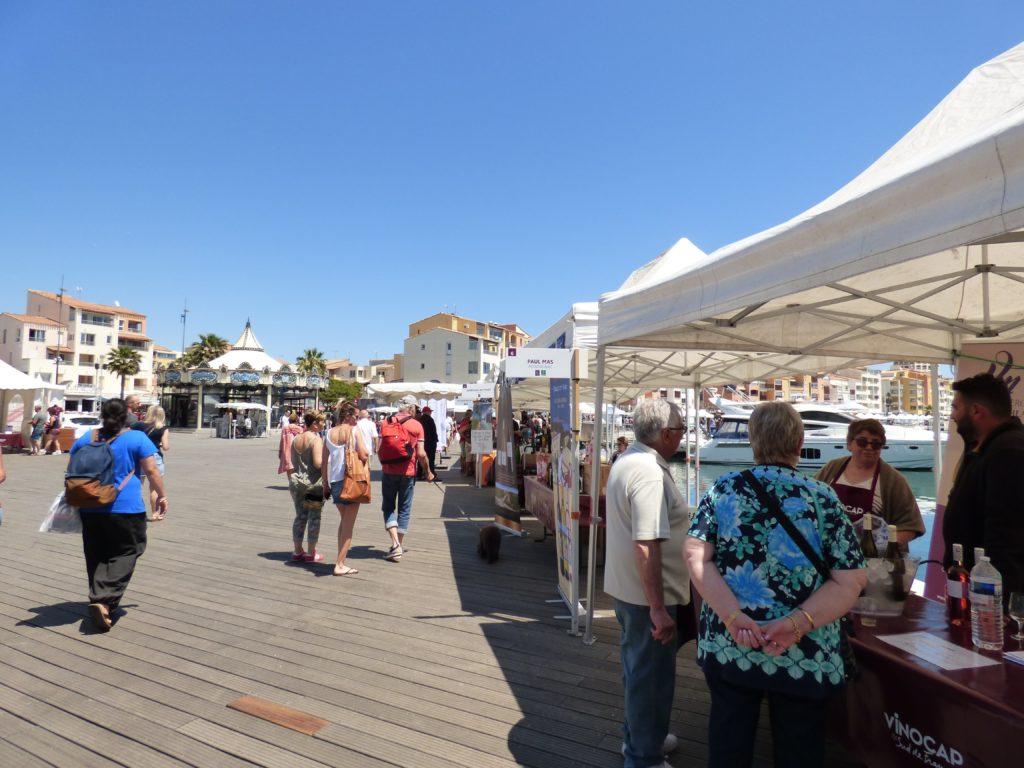 Le salon du Vinocap sur les quais du port du Cap d'Agde