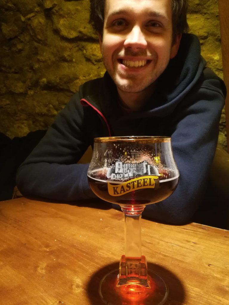 Dégustation d'une bière à l'Antre de l'échoppe à Narbonne par Stéph