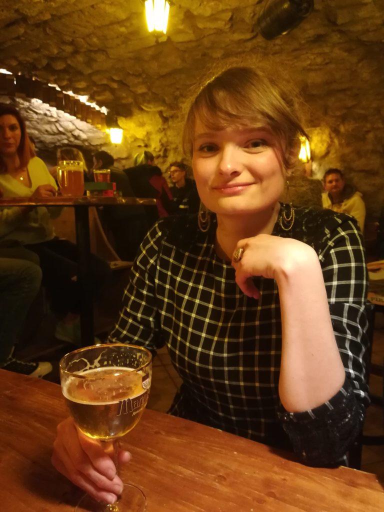 Dégustation d'une bière à l'Antre de l'échoppe à Narbonne par P'tit Lu'