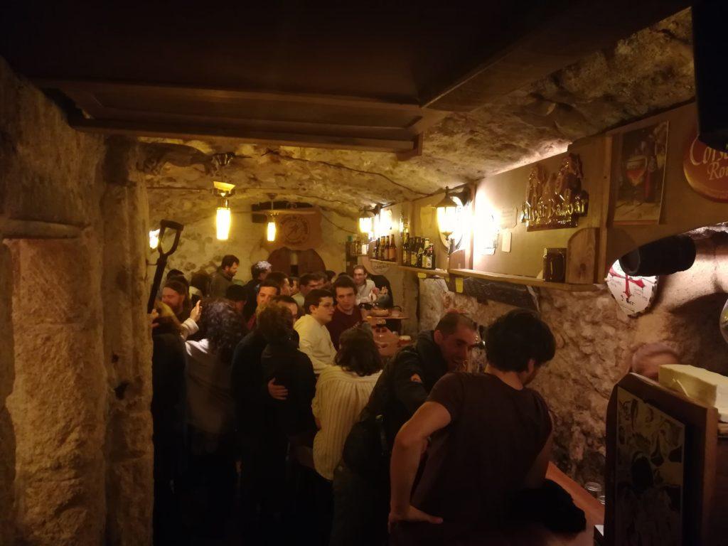 Vue de la salle bar du fond à l'Antre de l'échoppe à Narbonne