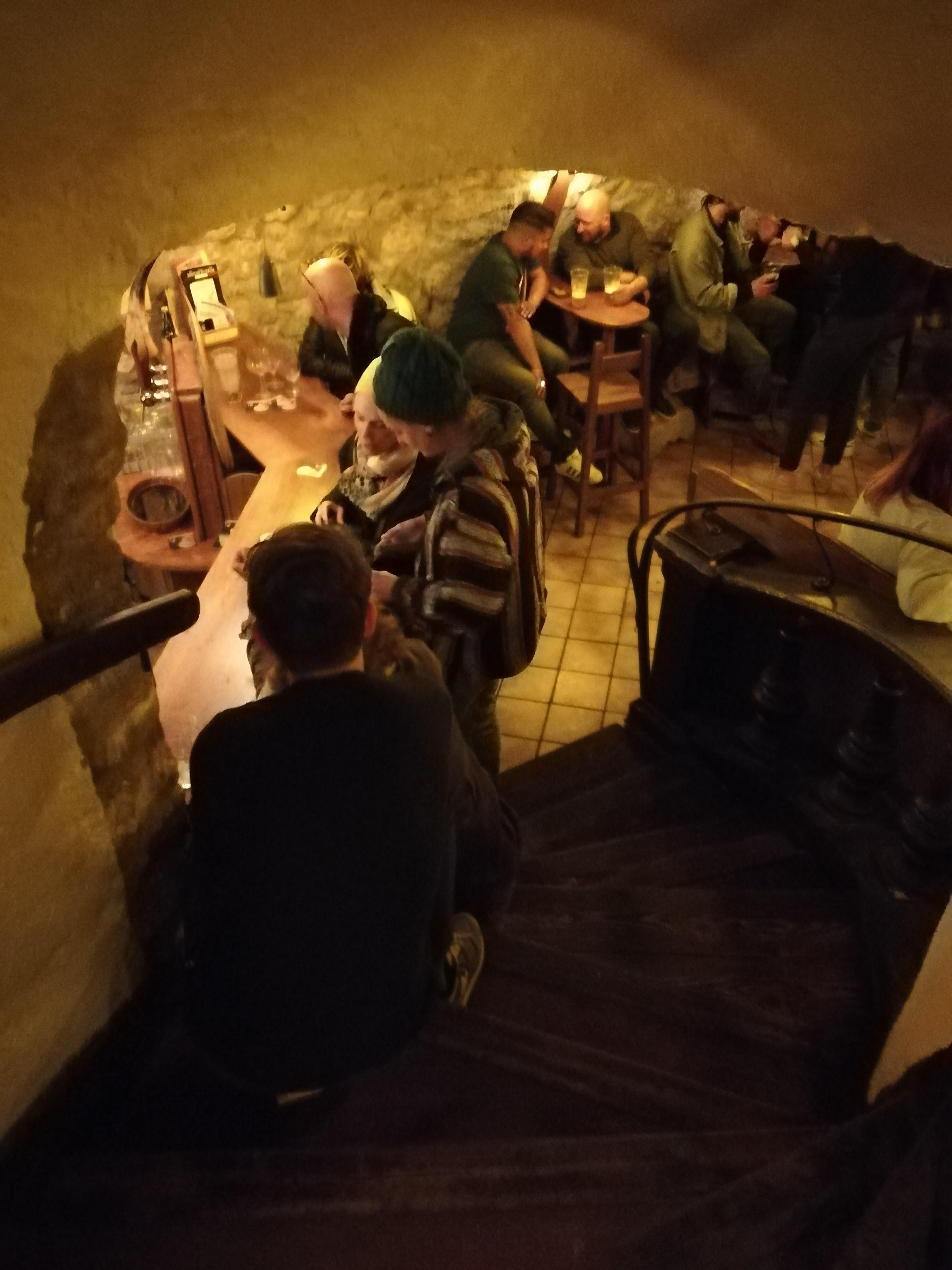 Escalier l'Antre de l'Echoppe, bar à NArbonne