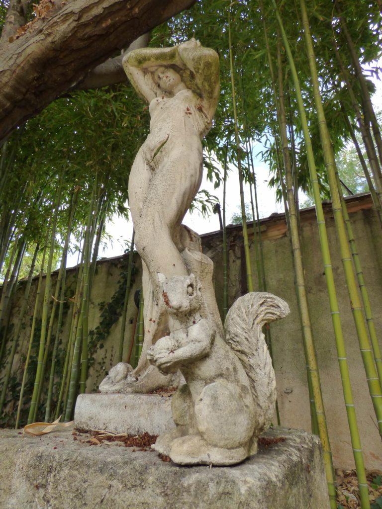 Statues gîte Clos de la Colombe