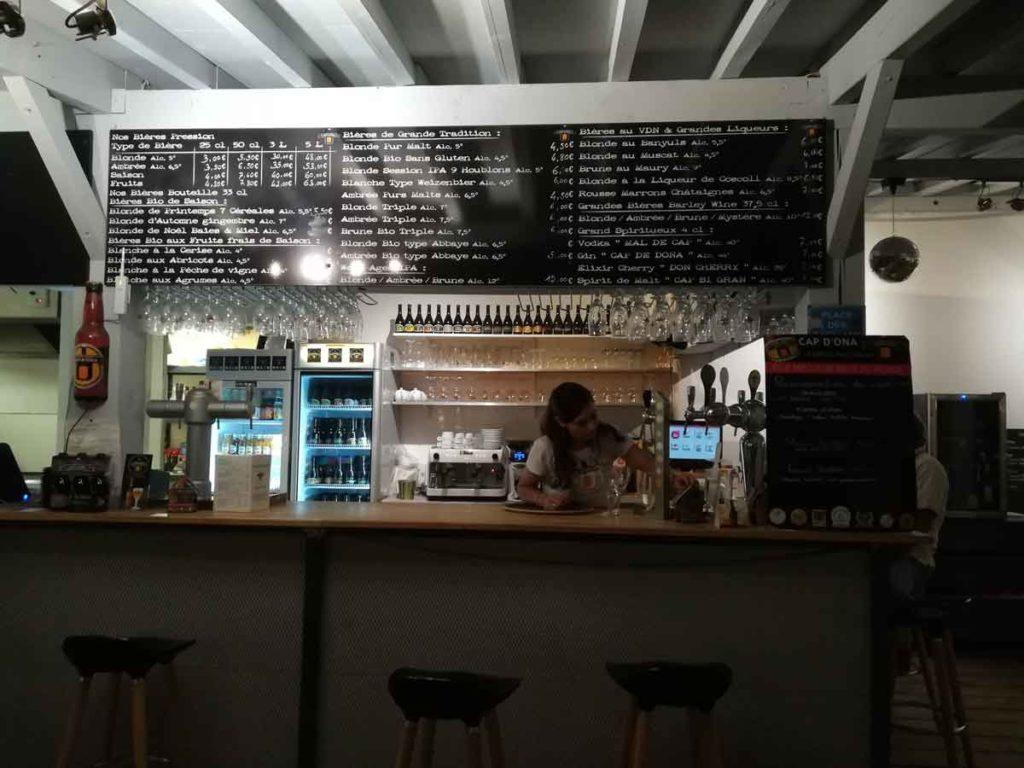 Bar de la brasserie Cap d'Ona